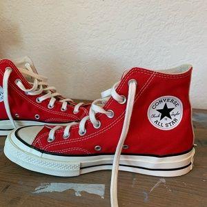 BRAND NEW Converse HighTops w White Stripe
